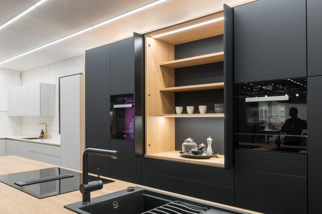 Keittiökalusteet musta moderni keittiö