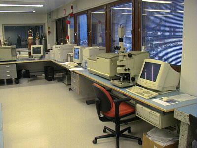 Laboratoriokalusteet vaativaan käyttöön