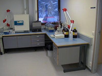 Laboratoriokalusteet työtaso